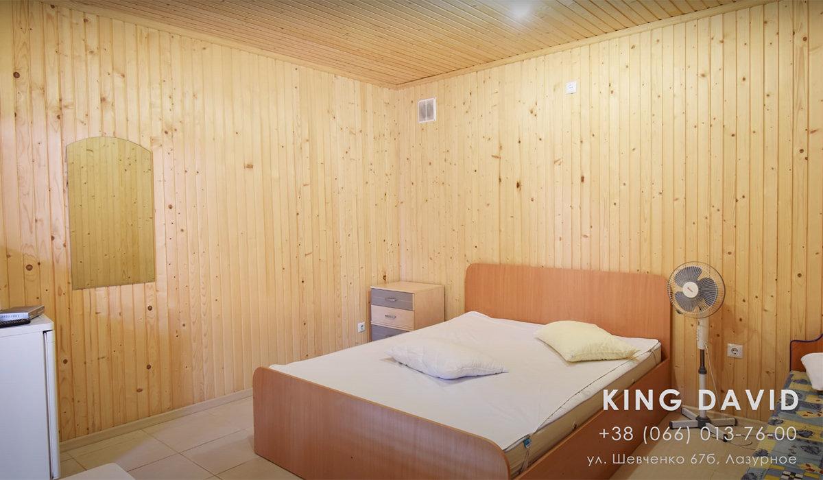 База відпочинку King David в Лазурному Херсонська область. 3-x місний номер